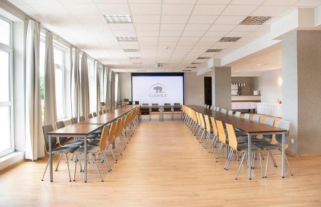 Szkolenia,  konferencje,  integracja